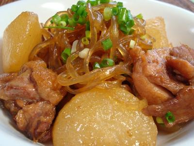 乾燥糸こんにゃくを使った大根と鶏肉の煮物